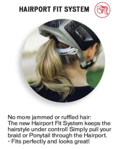 Helm met 'hairport' van Specialized